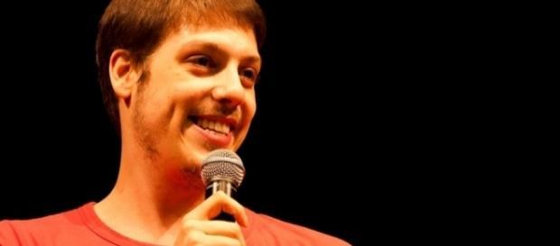 Fábio Porchat, humorista que realiza comédias stand-up