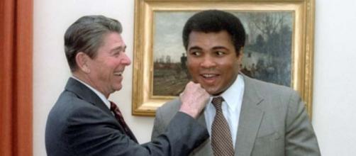 Ali wіth Prеѕіdеnt Reagan in 1983, Wikipedia