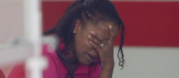 Mãe chora pela morte do filho - Imagem/Globo