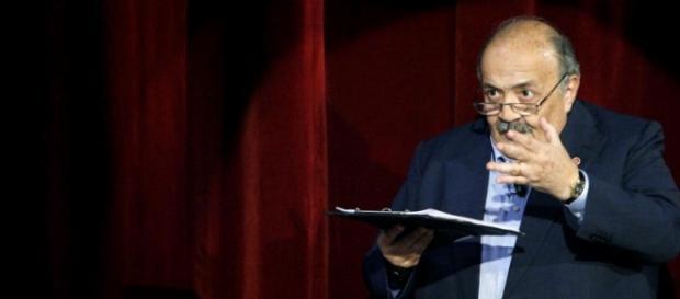 Replica Maurizio Costanzo show 5 giugno