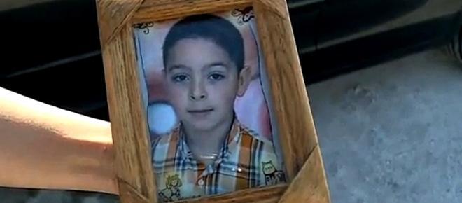 Menino de 10 anos morre colhido por uma moto quando andava de bicicleta