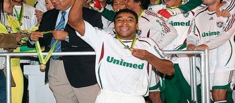 Atual treinador do Grêmio, Roger, foi o herói do título do Flu, na Copa do Brasil de 2007 (Fonte: Explosão Tricolor)