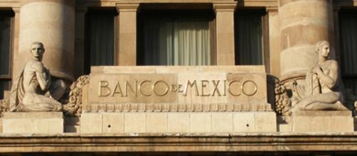 Banxico podría anticiparse a las decisiones de la FED y aumentar la tasa de interés.