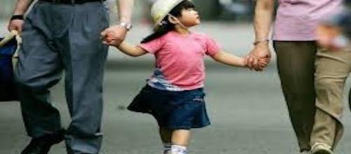 Per la dichiarazione di adottabilità non basta che risultino insufficienze dei genitori