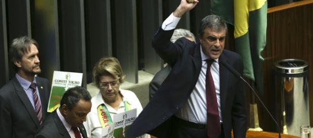 Cardozo e aliados se revoltaram (Foto: Marcelo Camargo/Agência Brasil)