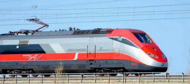 Il Frecciarossa debutta il 12 giugno sulla Milano-Lecce aggiungendosi all'ampia offerta dei Frecciabianca e Intercity.
