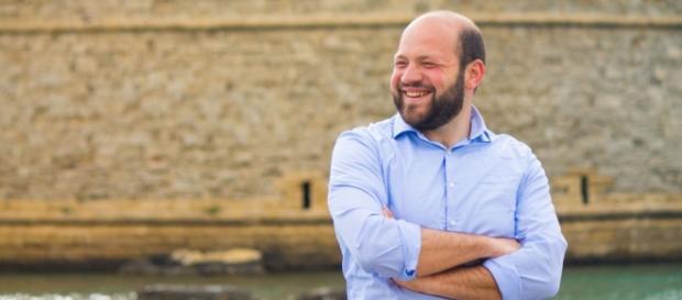 Stefano Minerva, candidato del centrosinistra a Gallipoli, se la vedrà al ballottaggio con Flavio Fasano.