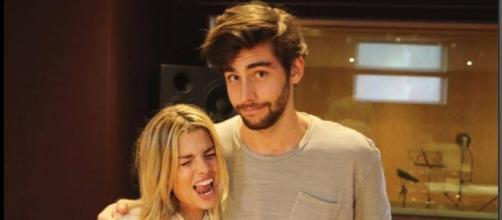 Emma Marrone e Alvaro Soler duettano assieme: c'è del tenero tra i due?