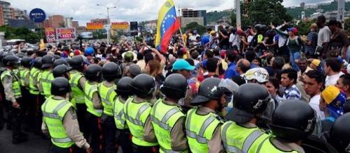 En Venezuela piden que se haga el referéndum revocatorio
