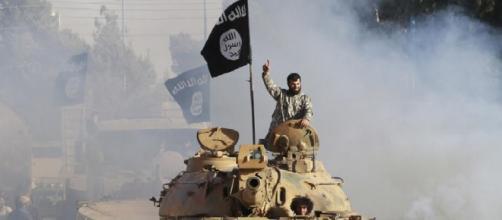 Prigioniere vengono giustiziate dall'Isis