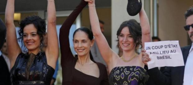 Sônia Braga diz que não aceita que Ministro critique artistas