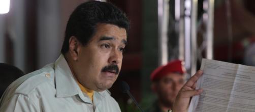 Después de que el Secretario de la OEA invocara la Carta Democrática, Nicolás Maduro se enfureció y le respondió de manera muy grosera e irrespetuosa.