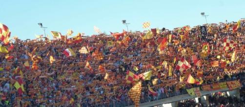 I tifosi giallorossi attendono l'ufficialità di ds ed allenatore.