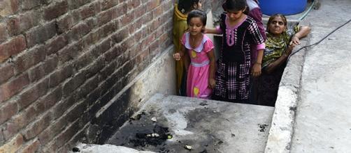 Joven quemada viva por su madre y hermano