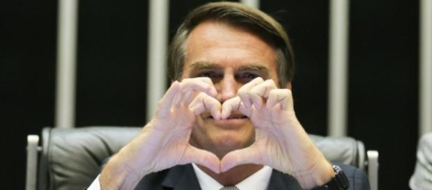 Jair Bolsonaro ganha seguidores com declarações polêmicas