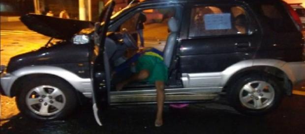 Menino é morto depois de roubar carro