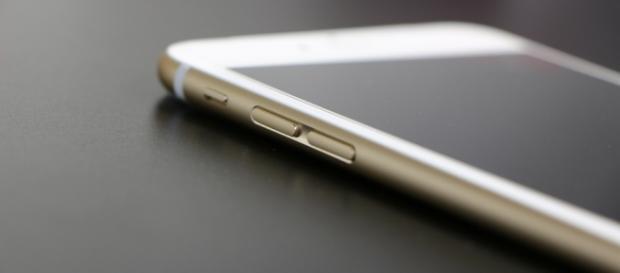 O termo nomofobia tem origem nas palavras em inglês No Mobile, que significa não ter o telemóvel ligado.