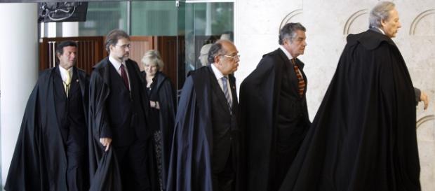 Supremo Tribunal Federal vive momentos de tensão política