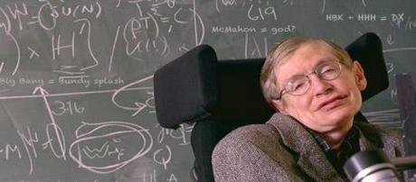 Stephen Hawking crede sia possibile superare un buco nero