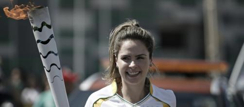 Ana Paula foi criticada por carregar a Tocha Olímpica