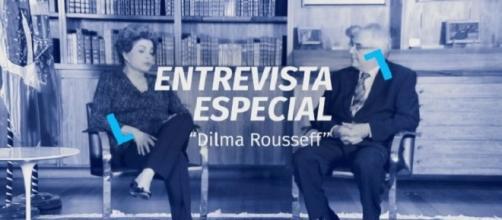 Dilma Rousseff concede entrevista ao jornalista Luis Nassif pela TV Brasil (Foto: Divulgação)
