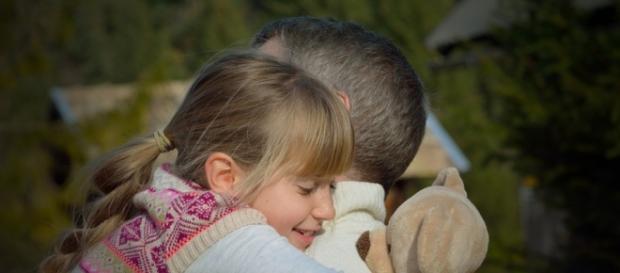 Copii resimt lipsa reală a părinților