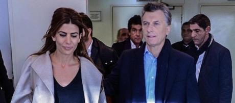 Macri junto a su esposa, Juliana Awada