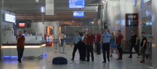 Intentan identificar a los atacantes del aeropuerto de Estambul