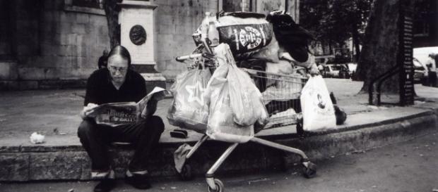 Alguém se importa com quem vive nas ruas. - fotolia.com