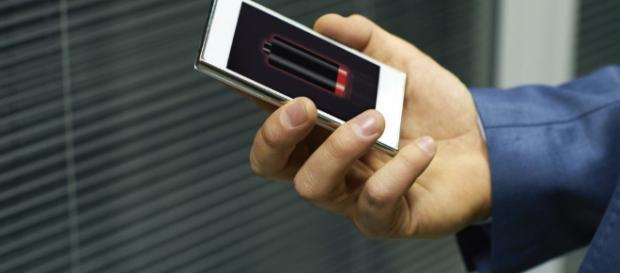 Aprenda a economizar a bateria do seu celular com 6 dicas simples