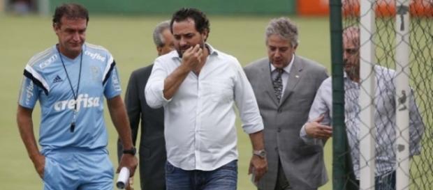 Cuca e dirigentes do Palmeiras na Academia de Futebol (Foto: Cesar Greco/Ag Palmeiras/Divulgação)