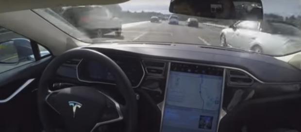 Interior del Tesla S, vehículo que tuvo el accidente.