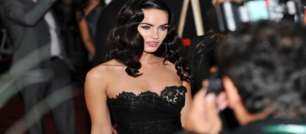 Pregnant Megan Fox moves to Malibu with family. (Yahoo Images)