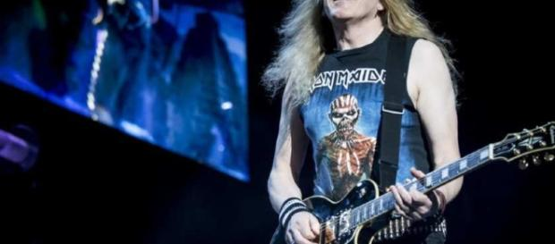Review: Iron Maiden claims 16,300 souls at the Bell Centre ... - montrealgazette.com