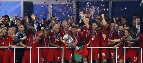 Sin Cristiano Ronaldo, Portugal recibe por primera vez titulo internacional