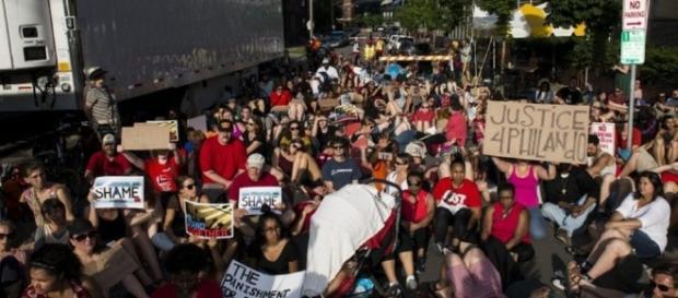 Continúan las protestas por la brutalidad policial