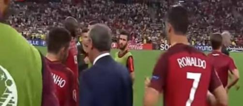 Cristiano Ronaldo estimula seus companheiros a cobra pênalti contra a Polônia na Euro-2016