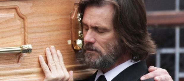 Jim Carrey furious at publishing of ex's death