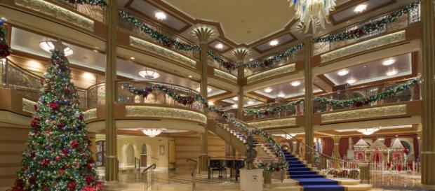 Magical Winter Holidays Aboard The Disney Dream Kent Phillips Via DCL News