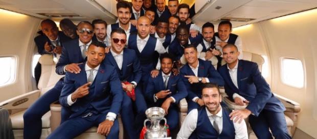 O time português festejando no avião