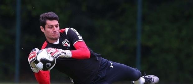 São Paulo | Denis finalmente renova seu contrato com o tricolor.
