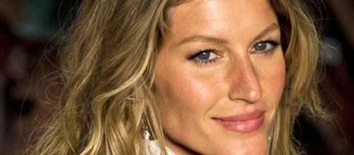 Gisele Bündchen poses topless for new Givenchy campaign