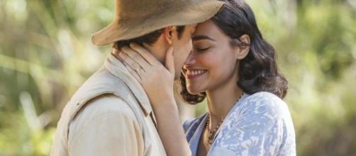 Para evitar problemas com o amado, Filomena doa suas jóias