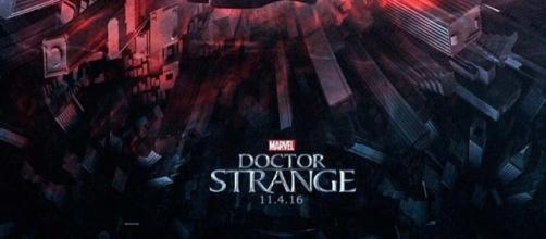 Wallpaper oficial de la saga del Doctor Extraño