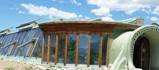 Earthship home in Taos, NM PCourtesy of Colleen Bement, used with permission