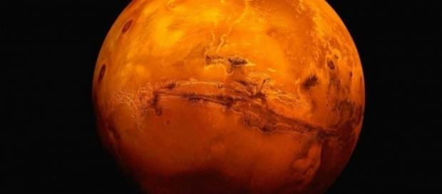 Sob a supercífice de Marte, pode haver vida microscópica