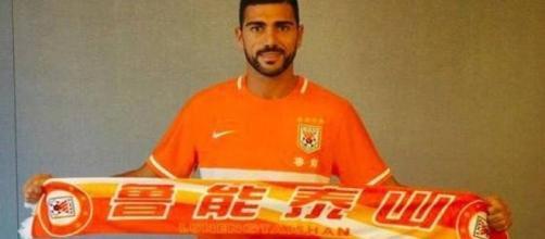 Graziano Pellè con la sua nuova squadra.