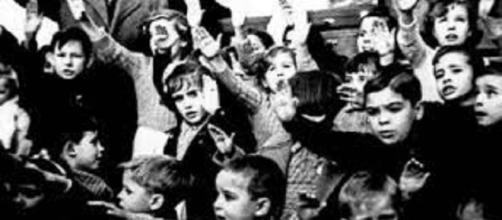 Los niños durante el franquismo fueron unas víctimas desasistidas. Public Domain