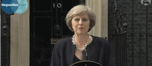 Theresa May devant le 10 Downing Street