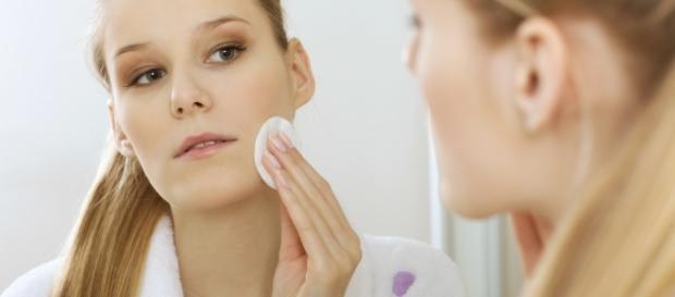 Confira 5 receitas de como fazer limpeza de pele em casa ... - com.br